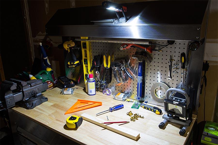 Diplos fakos ergasias COB LED 12 kai 200 Lm – 360o me magniti kai gantzo stirixis 3